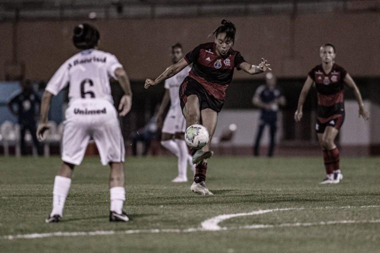 Com dois gols de Rafa Barros, Flamengo bate Grêmio e engata segunda vitória seguida