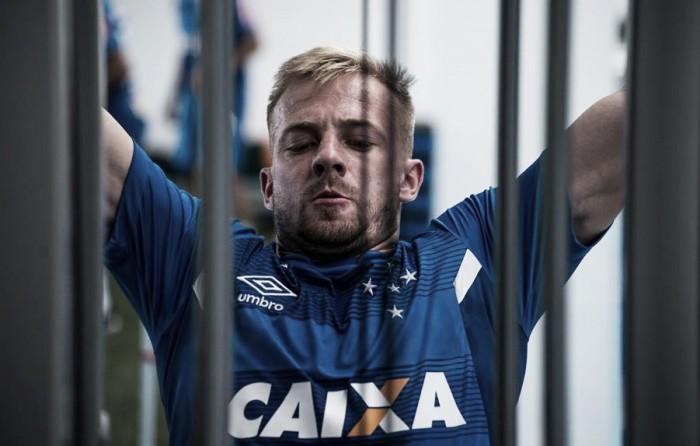 """Titular contra Democrata, Marcelo Hermes projeta estreia com camisa do Cruzeiro: """"Ansioso"""""""