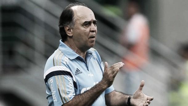 Marcelo Oliveira prega foco na Copa do Brasil e se incomoda com críticas sobre chutões do Palmeiras
