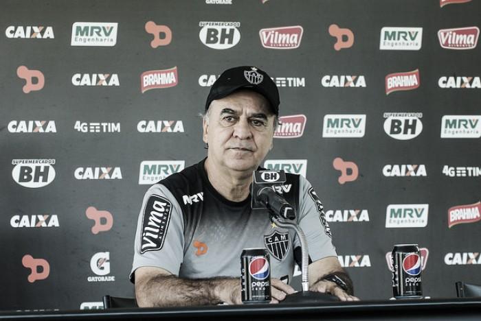 Marcelo Oliveira destaca importância de semana livre para duelo com Vitória