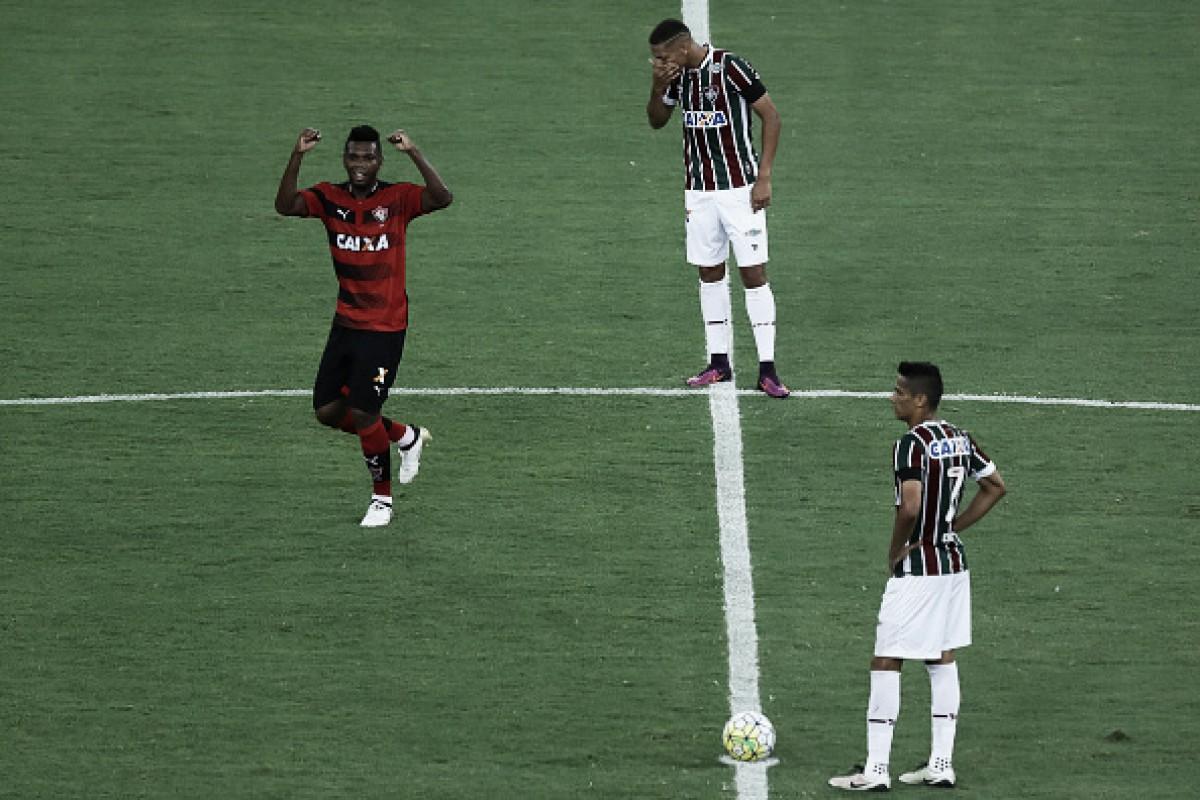 Botafogo negocia com volante ex-Vitória — Mercado da Bola