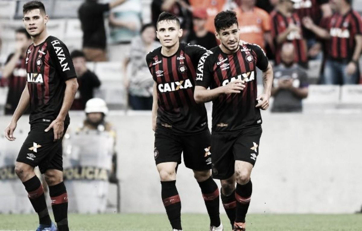 Partida entre Atlético-PR contra Corinthians marca reencontro de Marcinho com Loss e ex-time