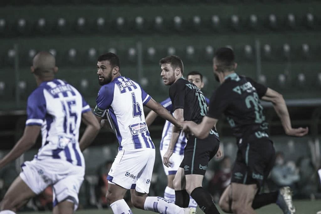 Chapecoense e CSA empatam sem gols em jogo atrasado na Série B