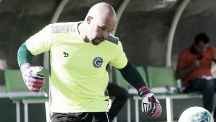 Sem espaço no Goiás, goleiro Márcio entra na mira do Anápolis para 2018
