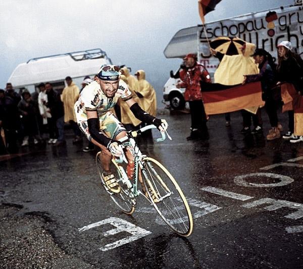 El legendario ataque de Pantani en la cima del Giro 2013