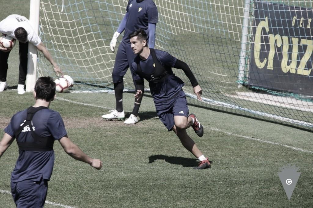 Marcos Mauro entrenó con el grupo y podría viajar a Gran Canaria