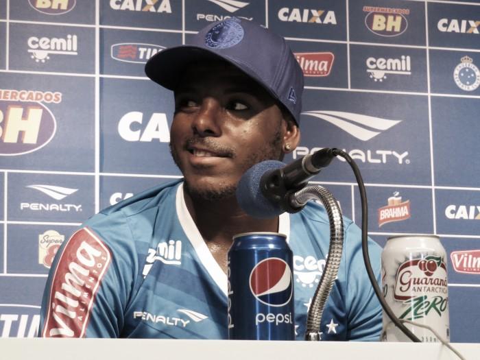 Marcos Vinícius se recupera de lesão e vira opção no Cruzeiro para enfrentar o Internacional