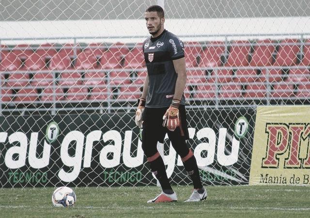 """Edson Mardden projeta duelo do CRB perante Náutico: """"Vamos enfrentar grande equipe"""""""