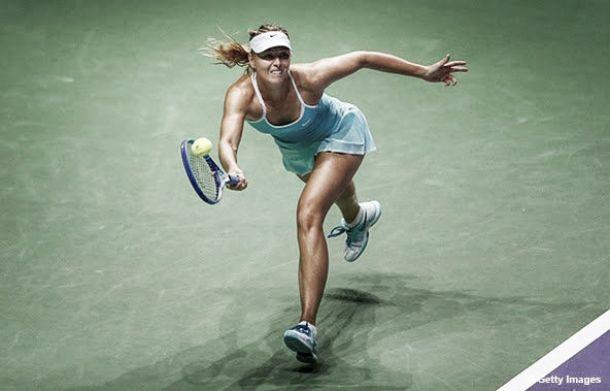 Sharapova bate Pennetta e vai às semis do WTA Finals com 100% de aproveitamento