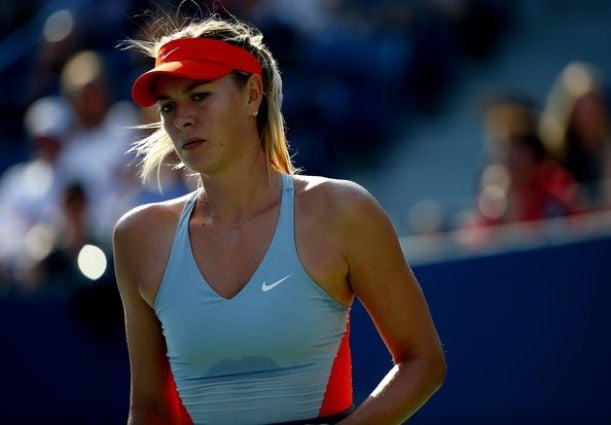 Sharapova remonta para colarse en tercera ronda