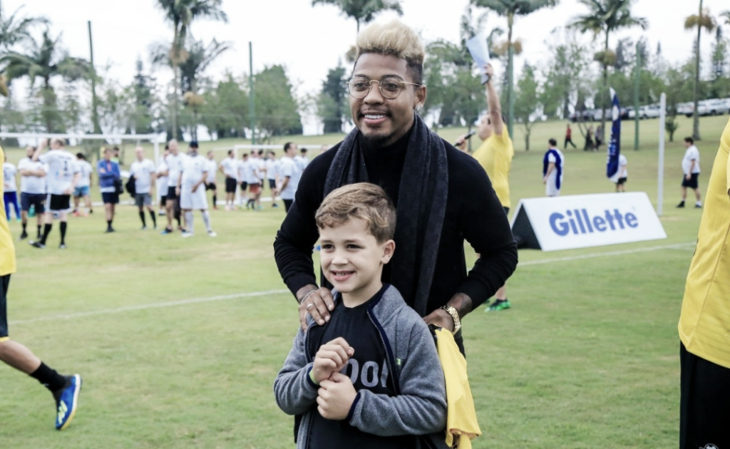 Marinho revela identificação com crianças por ser engraçado nas entrevistas