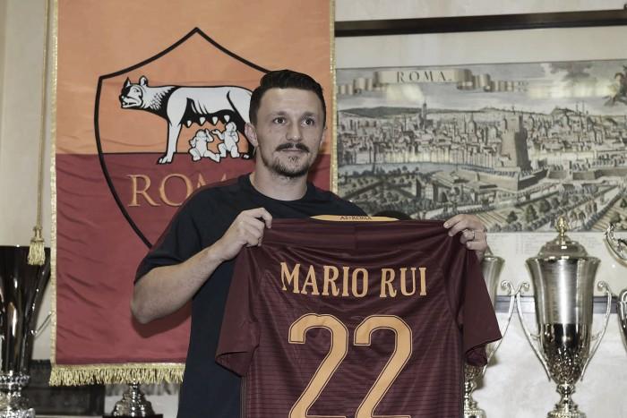 Ex-Empoli, lateral Mário Rui é apresentado na Roma