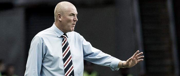 """Técnico Warburton elogia gol de McKay em vitória do Rangers: """"Foi um grande arremate"""""""