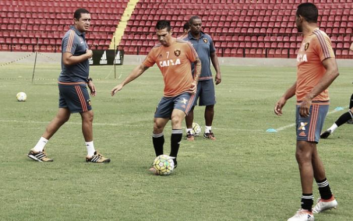 Em acordo mútuo, Sport anuncia rescisão com meia Mark González