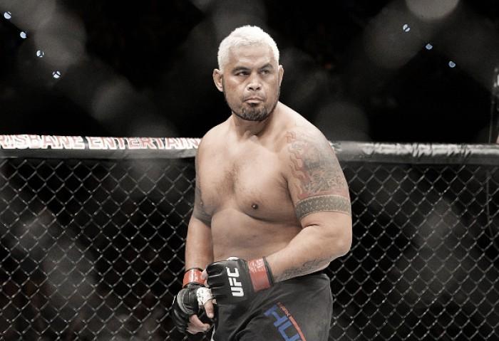 """Mark Hunt provoca Brock Lesnar antes do UFC 200: """"Dopado até a raiz do cabelo"""""""