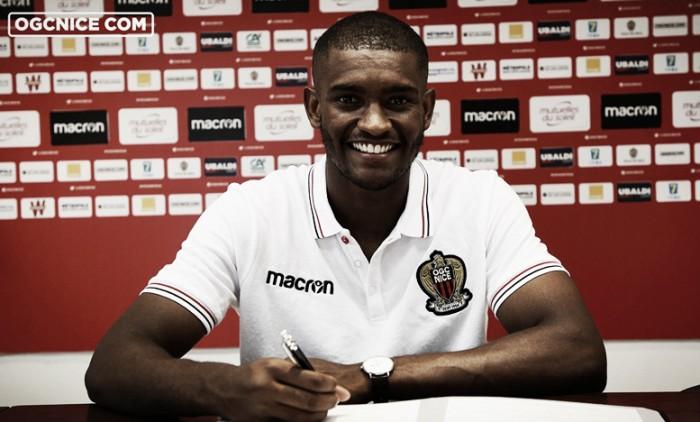 Barcelona empresta zagueiro Marlon Santos ao Nice