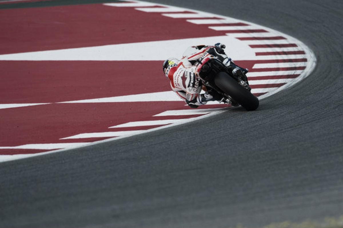 Marc Márquez se lleva la victoria del Gran Premio de Assen en una carrera de infarto