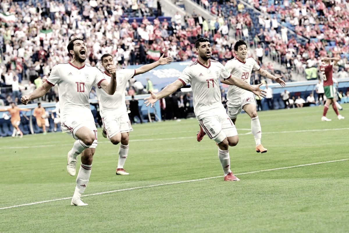 Com gol contra no último minuto, Irã vence Marrocos e larga na frente do Grupo B
