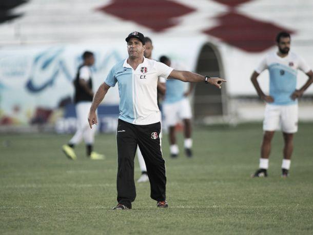 Martelotte confirma Santa Cruz para jogo com Atlético-GO, mas espera definição de João Paulo