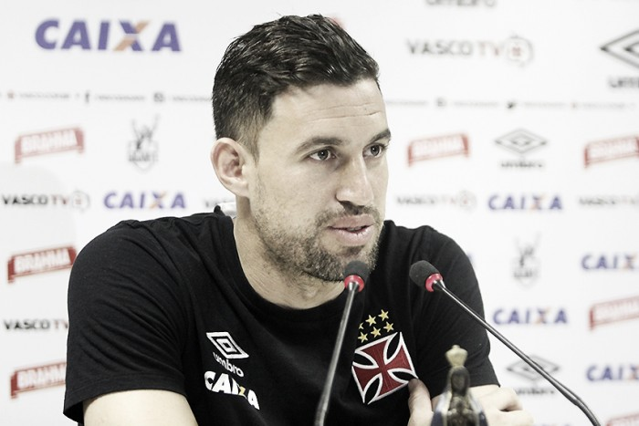 """Martín Silva reduz euforia por possível volta à liderança: """"Precisamos vencer primeiro"""""""