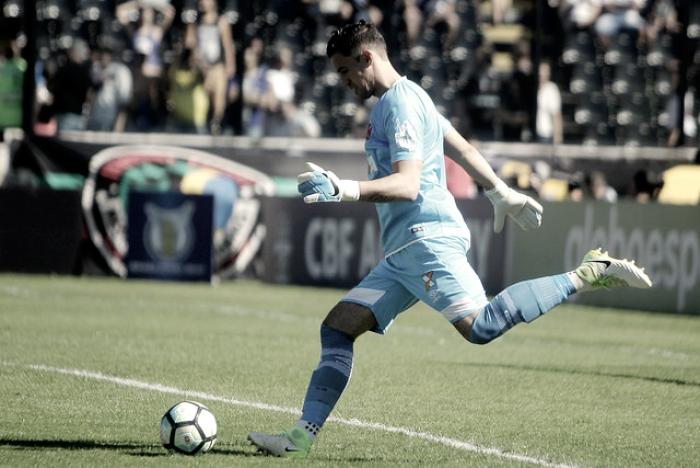 Vasco negocia renovação de contrato com Martín Silva até 2020