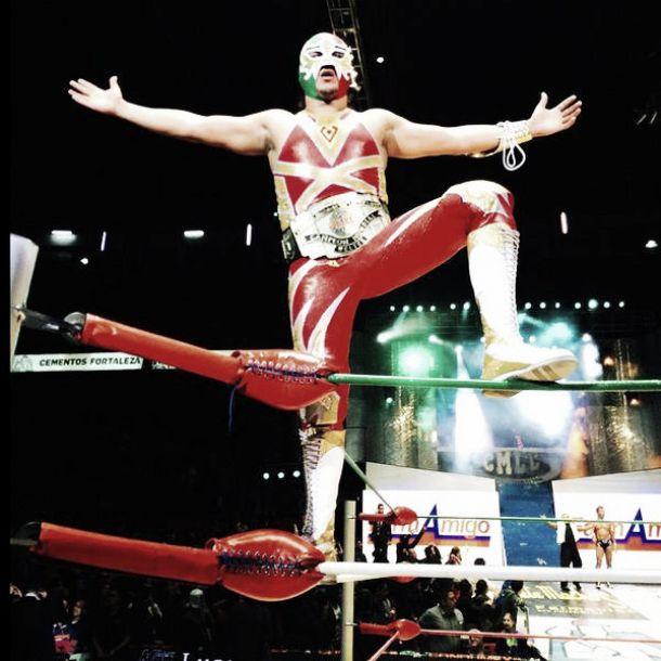 Máscara Dordada, nuevo campeón welter del CMLL