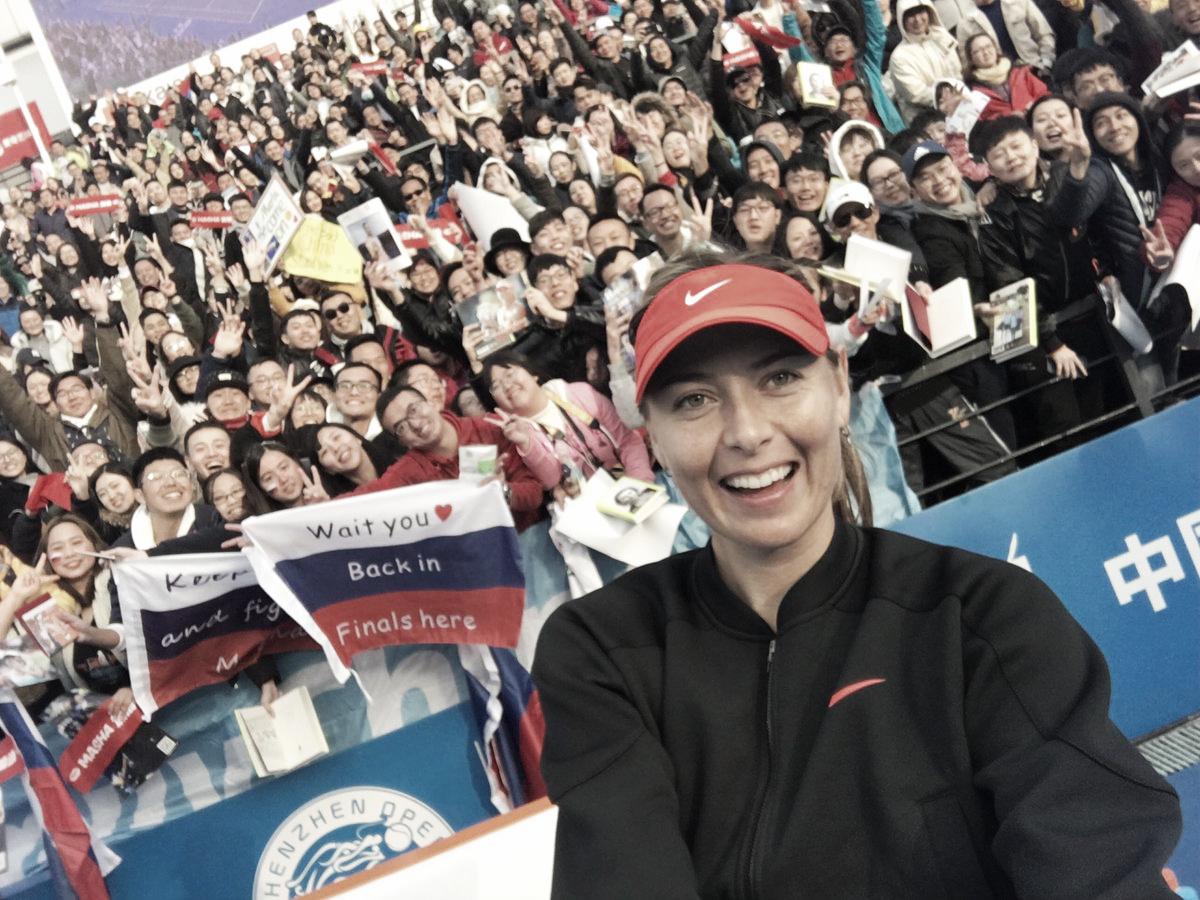 Sharapova bate Bacsinszky na estreia do WTA de Shenzhen