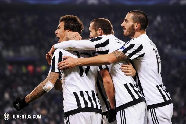 La Juventus vence y se coloca líder