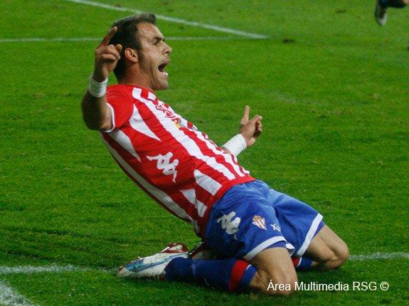 """Mate Bilic: """"Mi única obsesión es ascender con el Sporting"""""""