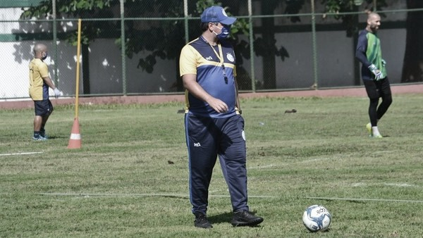 Após mais de 20 anos, Confiança reestreia na Série B diante do Paraná