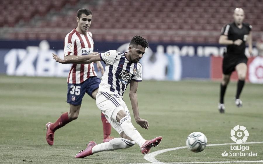 """Matheus Fernandes retorna de empréstimo ao Barcelona e cita seu ídolo: """"Sempre me inspirei em Busquets"""""""