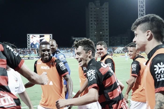 Matheus Ribeiro marca duas vezes e líder Atlético-GO vence Paysandu