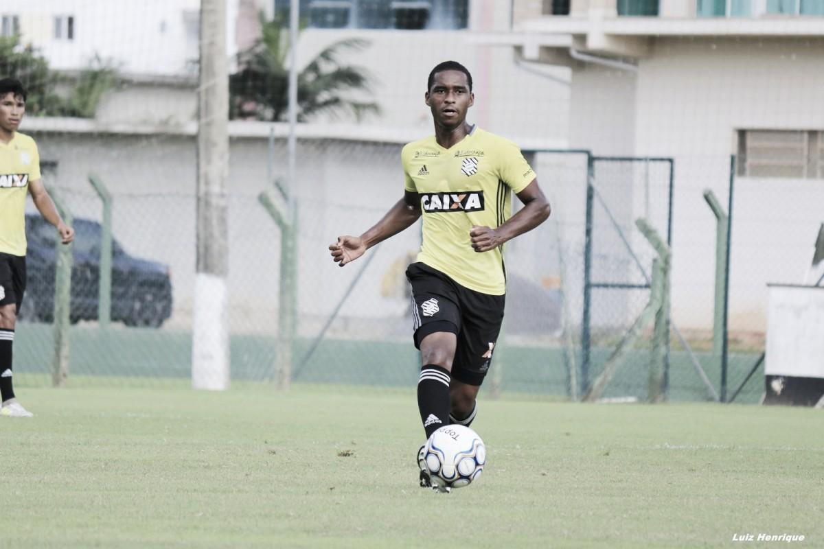 Matheus Sales celebra primeiro gol da carreira apesar de revés do Figueira e projeta recuperação