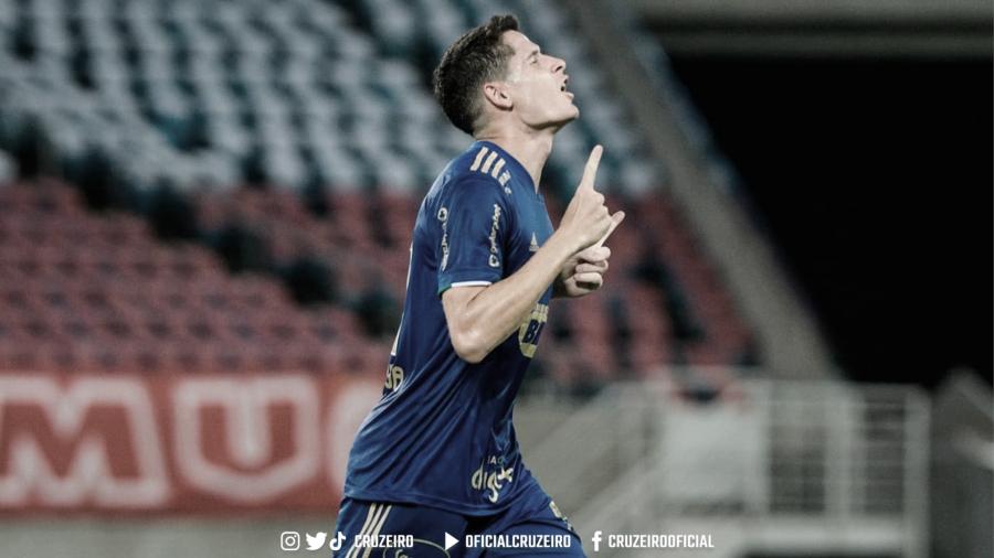 Com gol no fim, Cruzeiro derrota o América-RN e avança na Copa do Brasil