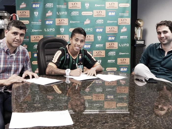América-MG renova com jovem meia Matheusinho por cinco temporadas