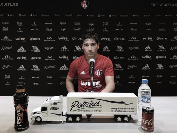 El atacante del Atlas Matías Alustiza defendió a Osorio