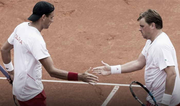 Davis Cup: Epic doubles comeback keeps Poland alive in playoff
