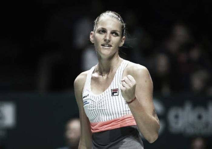 WTA Finals: Karolina Pliskova eases past Venus Williams