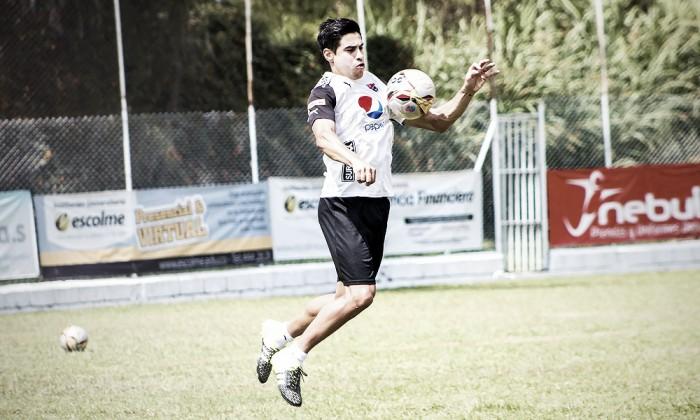 """Mauricio Molina: """"Mínimo necesitamos dos jugadores por posición"""""""