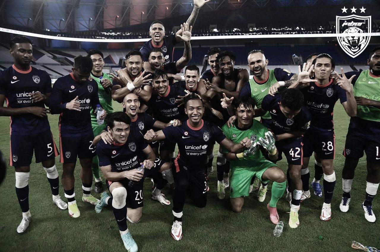 Maurício comemora novo título nacional pelo Johor e coloca equipe entre potências asiáticas