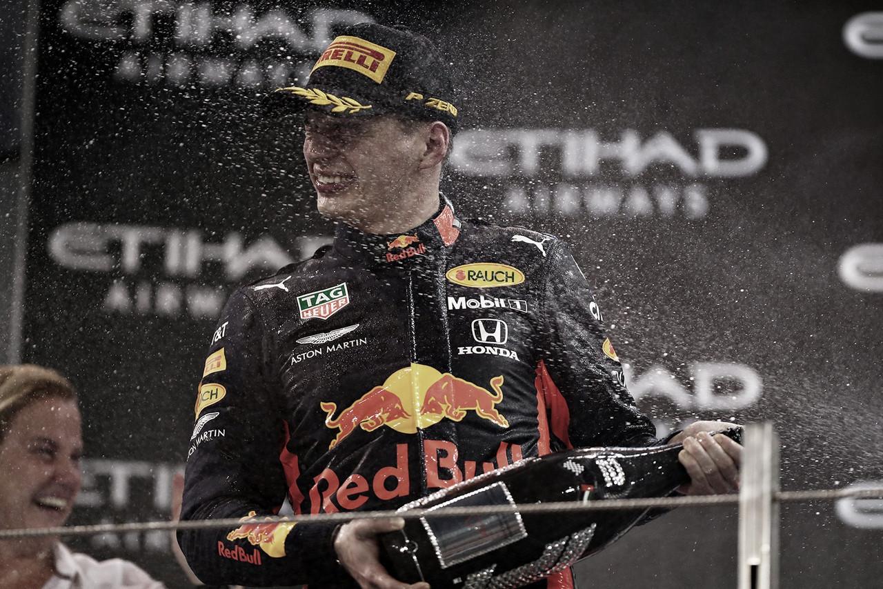 Verstappen renova com a Red Bull até 2023