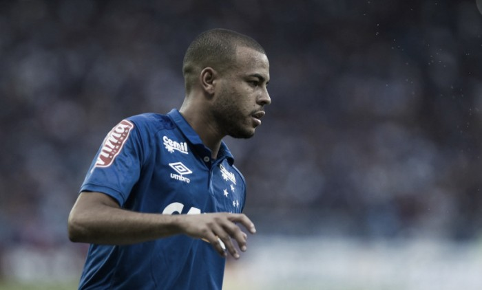 6671766f93 Palmeiras e Cruzeiro confirmam troca de Rafael Marques por empréstimo de  Mayke