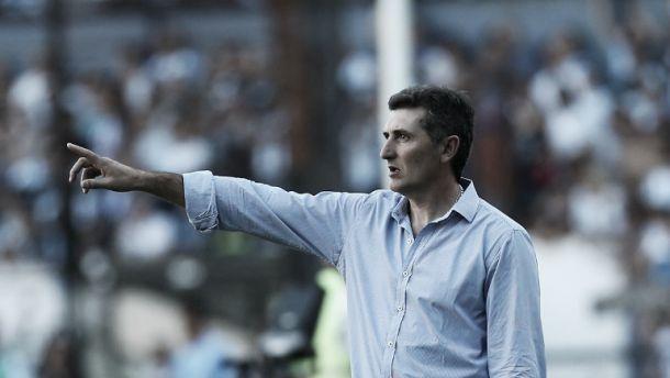 El técnico de San Martín le apuntó al arbitraje (Foto: Infobae).