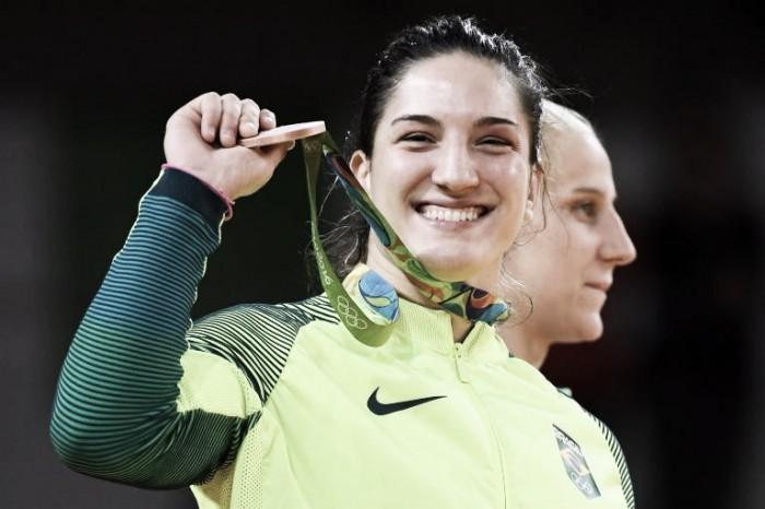 Mayra Aguiar vence Yalennis Castillo e conquista o bronze no Judô
