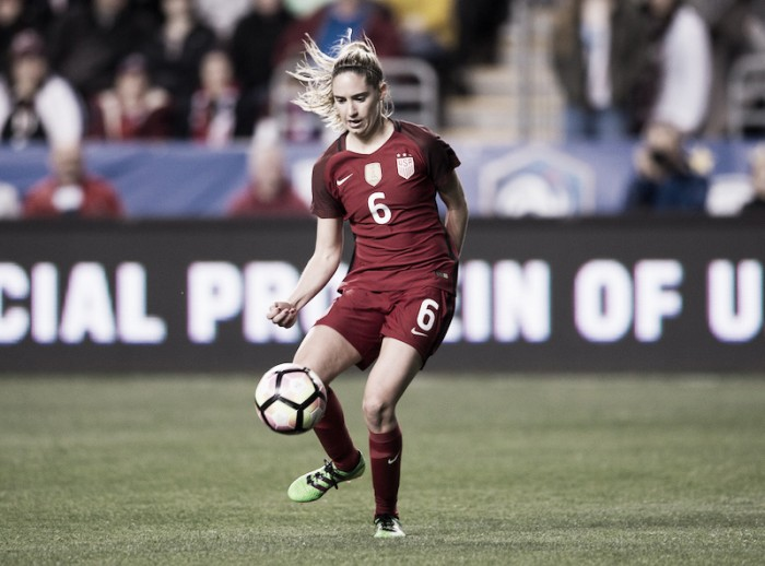 Morgan Bria and Amandine Henry sign for OL