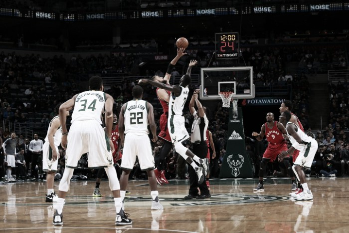 NBA, Pistons a valanga a Philadelphia. Milwaukee batte i Raptors