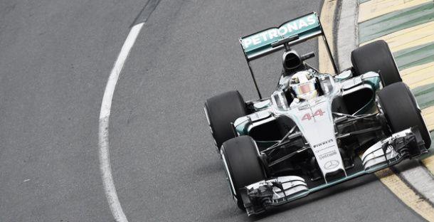 Australian Grand Prix - Qualifying: Lewis Hamilton takes pole as McLaren make up back row