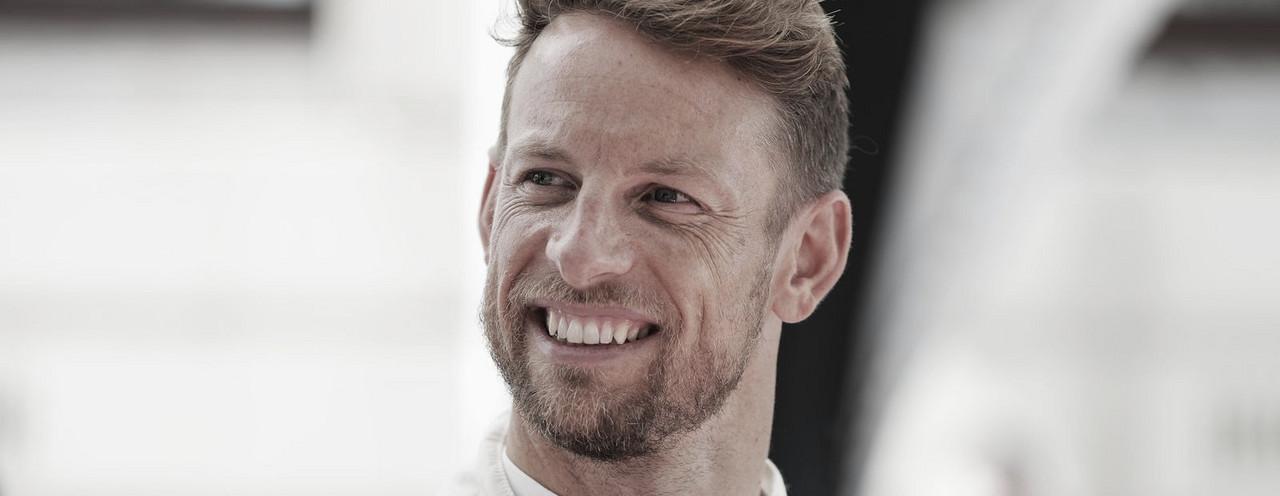 Jenson Button se moja sobre Ferrari