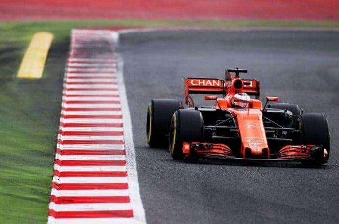"""Formula 1 - Test disastrosi per la McLaren. Alonso deluso: """"non siamo competitivi"""""""