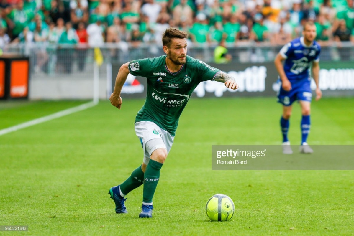 Mathieu Debuchy signs new deal with Saint-Etienne